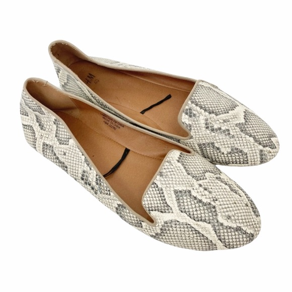 H&M faux leather snakeskin print loafer flats